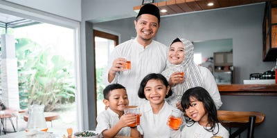 5 Ways to Make Ramadhan Easier for Your Parents